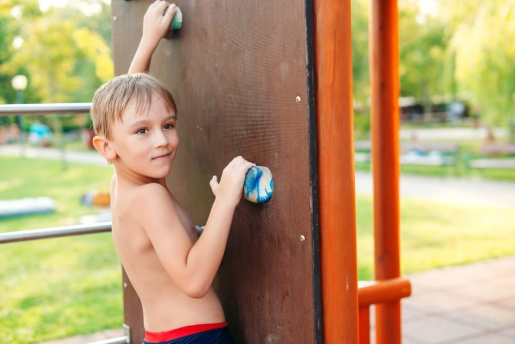 How To Make An Obstacle Course At Home - Ninja Warrior Obstacle Course Climbing